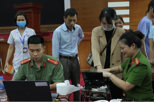 Bệnh viện Trung ương Thái Nguyên:  Hơn 1000 cán bộ viên chức được làm thủ tục cấp thẻ căn cước công dân gắn chíp điện tử