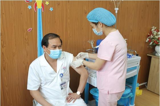 Bệnh viện Trung ương Thái Nguyên: Đơn vị đầu tiên của tỉnh tiêm vắc xin phòng Covid-19 đợt 1, năm 2021